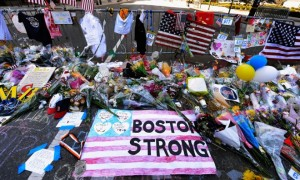 makeshift-memorial-boston-marathon-bombings